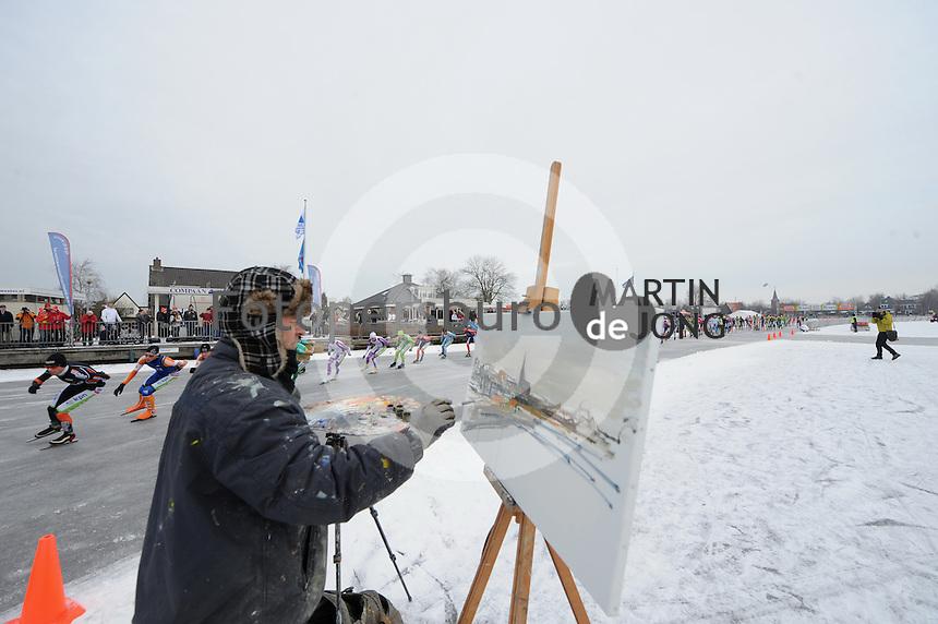 100 van Earnew&acirc;ld 281210<br />Gosse Koopmans schildert het tafereel<br />&copy;foto Martin de Jong