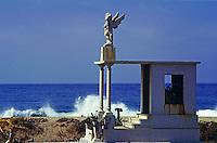Grabmal auf dem Friedhof von Pié de la Cuesta, Acapulco, Mexiko, Nordamerika