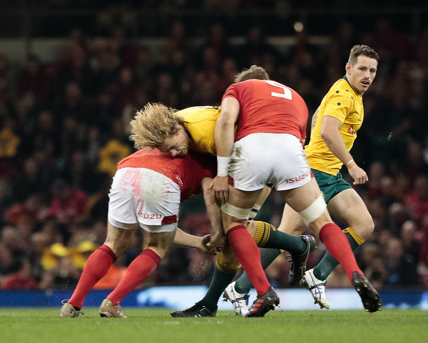 Australia's Ned Hanigan is tackled by Wales' Ken Owens<br /> <br /> Photographer Simon King/CameraSport<br /> <br /> International Rugby Union - 2017 Under Armour Series Autumn Internationals - Wales v Australia - Saturday 11th November 2017 - Principality Stadium - Cardiff<br /> <br /> World Copyright &copy; 2017 CameraSport. All rights reserved. 43 Linden Ave. Countesthorpe. Leicester. England. LE8 5PG - Tel: +44 (0) 116 277 4147 - admin@camerasport.com - www.camerasport.com