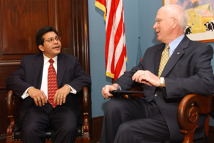 11/16/04.GONZALES--White House Counsel Alberto Gonzales, left, President Bush's choice to replace Attorney General John Ashcroft as head of the U.S. Department of Justice, during a photo opp with Senate Judiciary ranking Democrat Patrick J. Leahy, D-Vt., in Leahy's office..CONGRESSIONAL QUARTERLY PHOTO BY SCOTT J. FERRELL