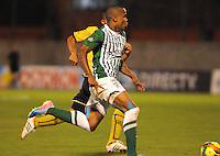 MEDELLêN -COLOMBIA-21-11-2013. John Pajoy de Atletico Nacional. Accion de juego entre el Atletico Nacional contra el Itagui durante partido de los cuadrangulares finales de la Liga Postob—n 2013 realizado en el estadio Polideportivo Sur ./ John Pajoy in action game between Atletico Nacional against Itagui during the game runs Postob—n League finals 2013 held in South Sports Stadium.  Photo:VizzorImage / Luis Rios / Stringer