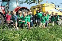 WANDELEN: JOURE: 19-05-2014, Avondvierdaagse, ©foto Martin de Jong