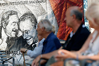 Roma 19/07/2017. Inaugurazione del murale di Gojo per commemorare il 25th anniversario degli attentati dei giudici Falcone e Borsellino, impegnati contro la Mafia. Il mural è stato tratto da una foto storica di due magistrati, di Tony Gentile.<br /> Rome July 19th 2017. Inauguration of the wall painting by the street artist Gojo, to commemorate the 25th anniversary of the attempts to magistrates Giovanni Falcone e Paolo Borsellino, killed by the Mafia in 1992. The painting was copied by a famous photo of the photographer Tony Gentile.<br /> Foto Samantha Zucchi Insidefoto