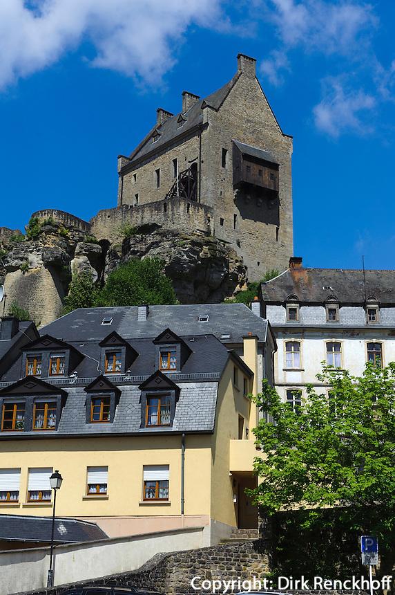 Burg (11.Jh.) und Dorf von Larochette, Luxemburg