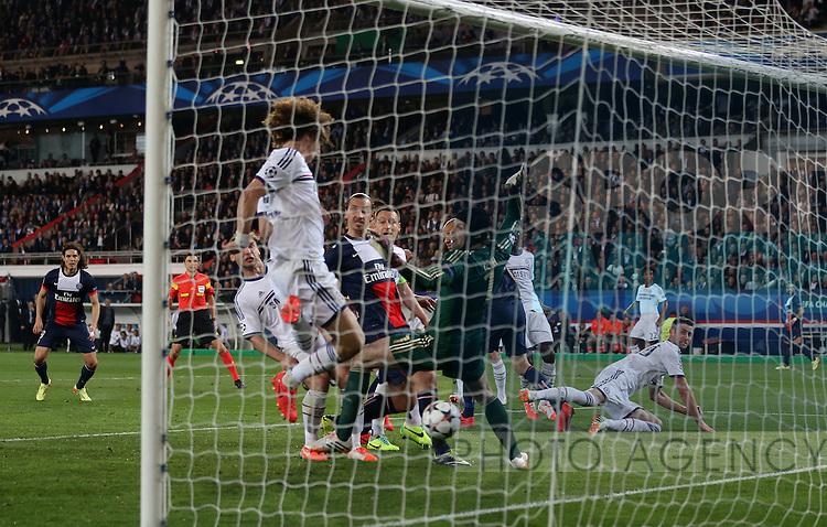 Chelsea's David Luiz scoring an own goal to put PSG 2-1 up<br /> <br /> Paris Saint Germain vs Chelsea - Champions League - Parc Des Princes- Paris - France - 02/03/2014  - Pic David Klein/Sportimage