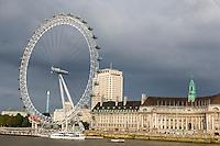UK, England, London.  London Eye Ferris Wheel, Millenium Wheel, Thames River.