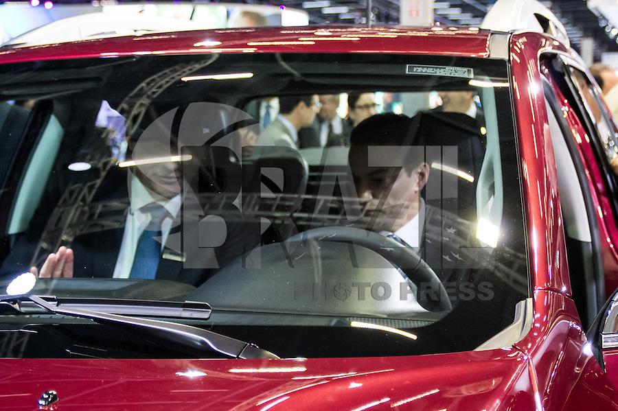 SAO PAULO, SP - 10.11.2016 - SALÃO-AUTOMÓVEL - O Ministro da Indústria, Comércio Exterior e Serviços, Marcos Pereira, <br /> participa da cerimônia de abertura do Salão Internacional do Automóvel em São Paulo no expo Imigrantes na região sul da <br /> cidade de São Paulo  nesta quinta-feira,10. Junto com o ministro outras autoridades também marcaram presença, como  Paulo <br /> Hartung, governador do Estado do Espirito Santos e o governador de São Paulo em exercício, Márcio França.(Foto: Fabricio Bomjardim / Brazil Photo Press)