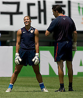 Hope Solo, Phil Wheddon