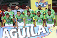 IBAGUÉ -COLOMBIA, 05-03-2016: Jugadores del Atlético Bucaramanga posan para una foto previo al encuentro con Deportes Tolima por la fecha 8 de la Liga Aguila I 2016 jugado en el estadio Manuel Murillo Toro de la ciudad de Ibagué./ Players of Atletico Bucaramanga pose to a photo prior the match against Deportes Tolima for the date 8 of the Aguila League I 2016 played at Manuel Murillo Toro stadium in Ibague city. Photo: VizzorImage / Juan Carlos Escobar / Str