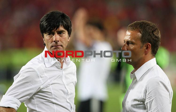 UEFA Euro 2008 Final Match 31 Wien - Ernst-Happel-Stadion. Deutschland ( GER ) - Spanien ( ESP ) 0:1. <br /> Der entt&auml;uschte Joachim Loew (L&ouml;w) - ( Germany / Trainer / Coach ) und Hans-Dieter Flick ( Germany / Co-Trainer / Coach ) (l-r) mit dem Blick ins Leere nach Spielschlu&szlig;.<br /> Foto &copy; nph (  nordphoto  )