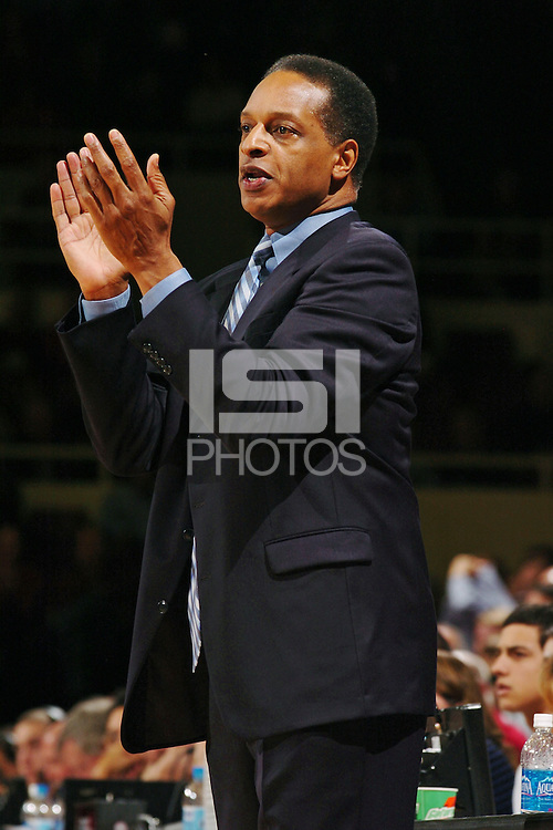 5 January 2006: Head coach Trent Johnson during the Stanford Cardinal's 80-66 win over the Oregon State Beavers at Maples Pavilion in Stanford, CA.
