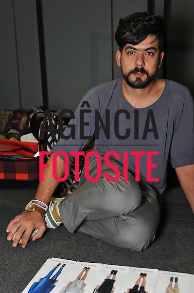 Rio de Janeiro, Brasil – 15/01/2011 - Backstage de Lucas Nascimento durante o Fashion Rio  -  Inverno  2011. Foto : Gustavo Scatena / Agência Fotosite