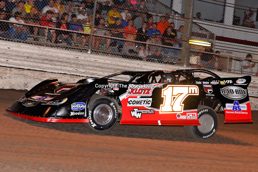 Feb 20, 2014; 6:59:21 PM;  Barberville, FL, USA;  World of Outlaws Late Model Series for 43rd Annual DIRTcar Nationals presented by Summit Racing Equipment at Volusia Speedway Park.  Mandatory Credit: (thesportswire.net)