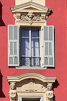 Europe/France/Provence-Alpes-Côte d'Azur/Alpes-Maritimes/ Nice: Le Port Lympia ou port de Nice,  maisons sur le port, :Détail des façades baroques  sur le vieux port - Maison Tordo, 1865 : 4 rue de Foresta (quartier du port)   //   // Europe, France, Provence-Alpes-Côte d'Azur, Alpes-Maritimes, Nice:  Lympia port or port of Nice houses