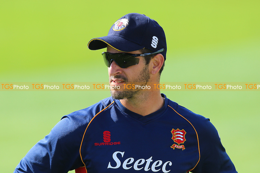 Essex skipper Ryan ten Doeschate ahead of Essex CCC vs Gloucestershire CCC, Specsavers County Championship Division 2 Cricket at the Essex County Ground on 13th April 2016