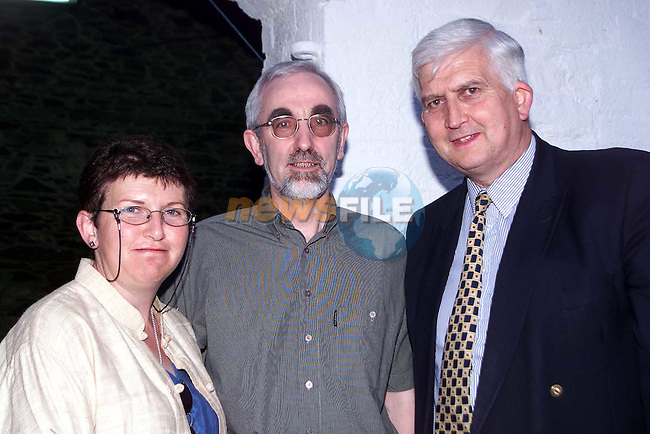 Eileen and Peter Ludlow with Shaun Lynch at the BBQ in O'Malley's Farm, Ardee..Picture Paul Mohan Newsfile