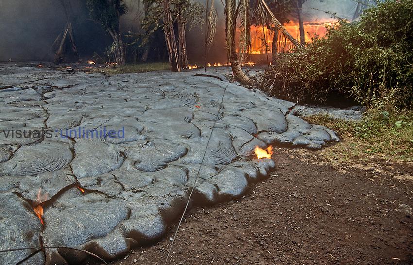 Hot advancing pahoenoe lava flow from Kilauea Volcano, Hawaii, USA.