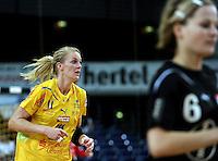 """1. Bundesliga Handball Damen - Frauen Handball BL DHB - Arena Leipzig - HC Leipzig : TSV Bayer 04 Leverkusen """"Handballelfen"""" - im Bild: Sara Eriksson . Foto: Norman Rembarz..Norman Rembarz , Autorennummer 41043728 , Augustenstrt. 2, 04317 Leipzig, Tel.: 01794887569, Hypovereinsbank: BLZ: 86020086, KN: 357889472, St.Nr.: 231/261/06432 - Jegliche kommerzielle Nutzung ist honorar- und mehrwertsteuerpflichtig! Persönlichkeitsrechte sind zu wahren. Es wird keine Haftung übernommen bei Verletzung von Rechten Dritter. Autoren-Nennung gem. §13 UrhGes. wird verlangt. Weitergabe an Dritte nur nach  vorheriger Absprache.."""
