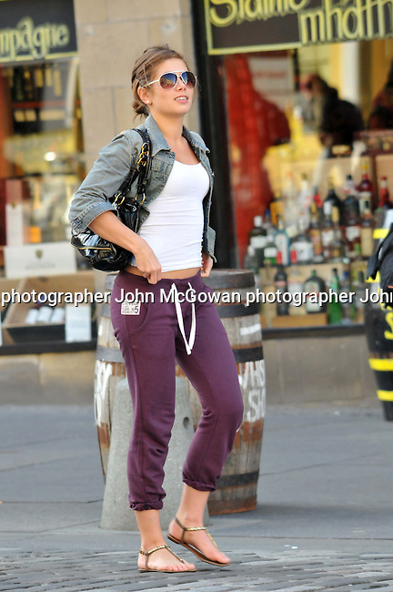 exclusive pics of actress nikki sanderson in edinburgh | JOHN