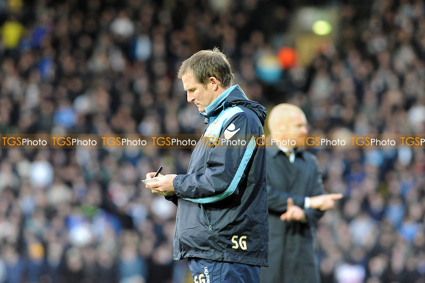 Leeds manager Simon Grayson  - Watford vs Leeds United - nPower Championship Football at Vicarage Road Stadium, Watford, Hertfordshire - 10/12/11 - MANDATORY CREDIT: Anne-Marie Sanderson/TGSPHOTO - Self billing applies where appropriate - 0845 094 6026 - contact@tgsphoto.co.uk - NO UNPAID USE.