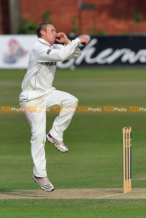 Tom Craddock in bowling action for Essex - Leicestershire CCC vs Essex CCC - LV County Championship Division Two Cricket at Grace Road, Leicester - 11/07/11 - MANDATORY CREDIT: Gavin Ellis/TGSPHOTO - Self billing applies where appropriate - Tel: 0845 094 6026