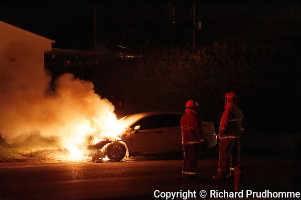 A car fire in Crabtree, Quebec