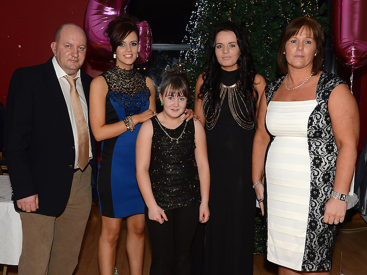 Sinead Cluskey celebrating her 21st birthday in the Thatch with parents David and Linda and sisters Joanne and Emma. Photo:Colin Bell/pressphotos.ie