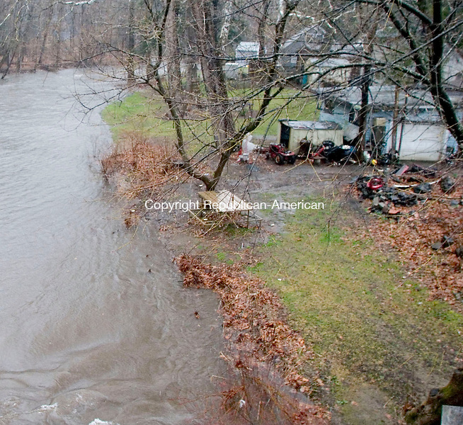SOUTHBURY, CT- 15 APRIL 07- 041507JT09- <br /> The Pomperaug River edged closer to homes located near Flood Bridge Road in Southbury as a Nor'Easter came through the area, bringing strong winds and excessive rain on Sunday.<br /> Josalee Thrift Republican-American