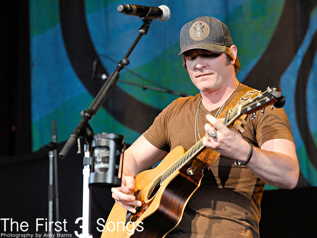 JERROD NIEMANN performs at Riverbend Music Center on June 15, 2011 in Cincinnati, Ohio.