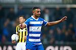 Nederland, Zwolle, 18 oktober 2015<br /> Eredivisie<br /> Seizoen 2015-2016<br /> PEC Zwolle-Vitesse<br /> Ouasim Bouy van PEC Zwolle begrijpt niet waarom hij het veld moet verlaten
