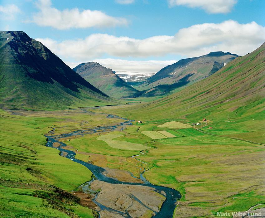 Litli-Dalur séð til suðvesturs, Eyjafjarðarsveit áður Saurbæjarhreppur / Litli-Dalur viewing southwest, Eyjafjardarsveit former Saurbaejarhreppur.