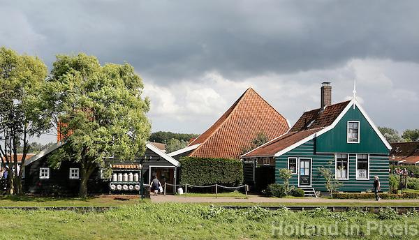 Nederland  Zaanse Schans  2016. Boerderij en houten huis in Zaanse Schans.   Foto Berlinda van Dam / Hollandse Hoogte