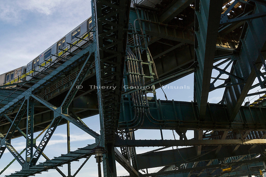 """Photograph from the """"Walking the Structure"""" series. Photo by Thierry Gourjon. © 2015"""