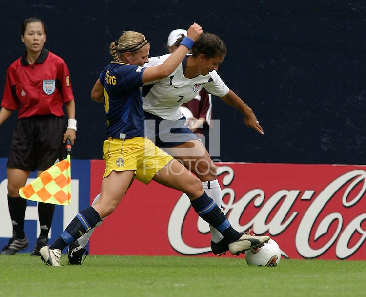Karolina Westberg, left, Shannon Boxx, right, 2003 WWC USA Sweden.
