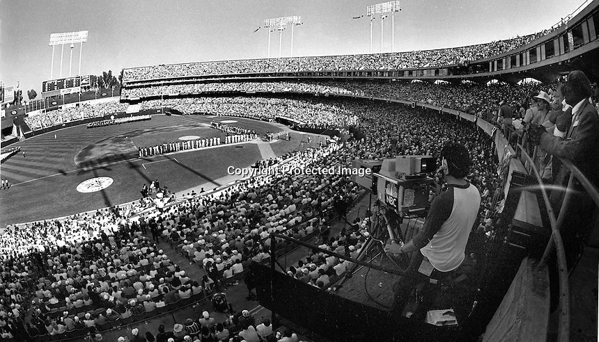1987 Major League Allstar game at the Oakland Alameda County Coliseum. (1987photo/Ron Riesterer)
