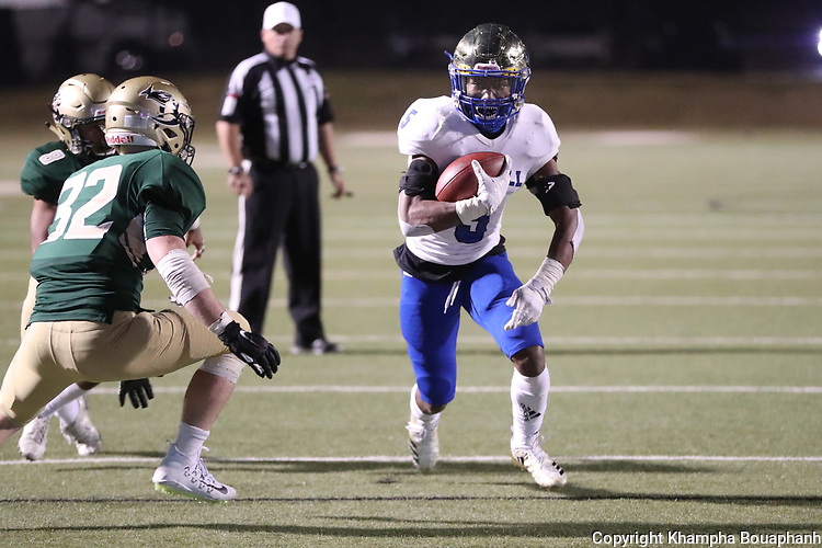 Boswell loses to Birdville 29-27 in 5A bi-district  playoff at Birdville ISD FAAC in North Richland Hills on Thursday, November 15, 2018. (Photo by Khampha Bouaphanh)