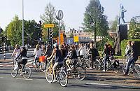 Nederland Amsterdam  2016. Drukte bij het Westerpark / Nassaukade.  Foto Berlinda van Dam / Hollandse Hoogte