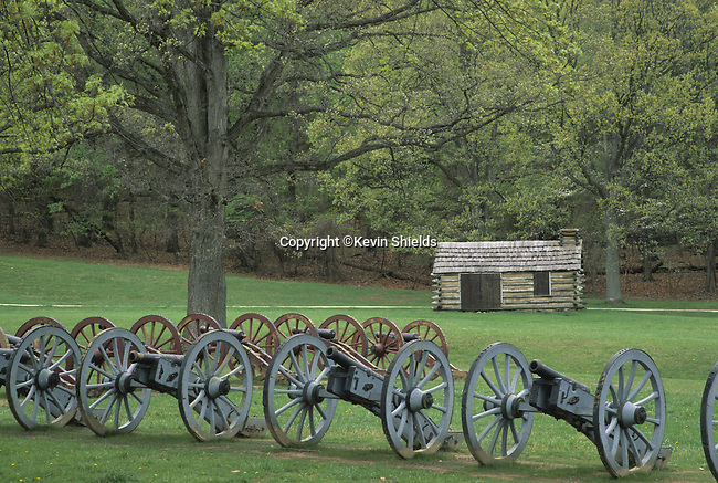 Revolutionary War cannons at Valley Forge National Historical Park, Pennsylvania, USA. Site of Winter encampment of the Continental Army in 1777-78 under the command of General George Washington.