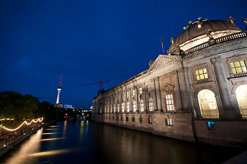 Blue hour museums insel Berlin