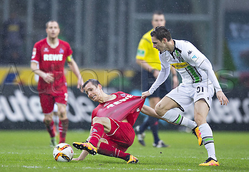 20.02.2016. Borussia Park, Mönchengladbach, North Rhine-Westphalia, Germany. Bundesliga football, Borussia Moenchengladbach verus Cologne.  Pawel Olkowski (Col), Branimir Hrgota (BMG)