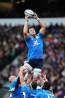 Abraham Steyn of Italy wins the ball at a lineout. RBS Six Nations match between England and Italy on February 26, 2017 at Twickenham Stadium in London, England. Photo by: Patrick Khachfe / Onside Images