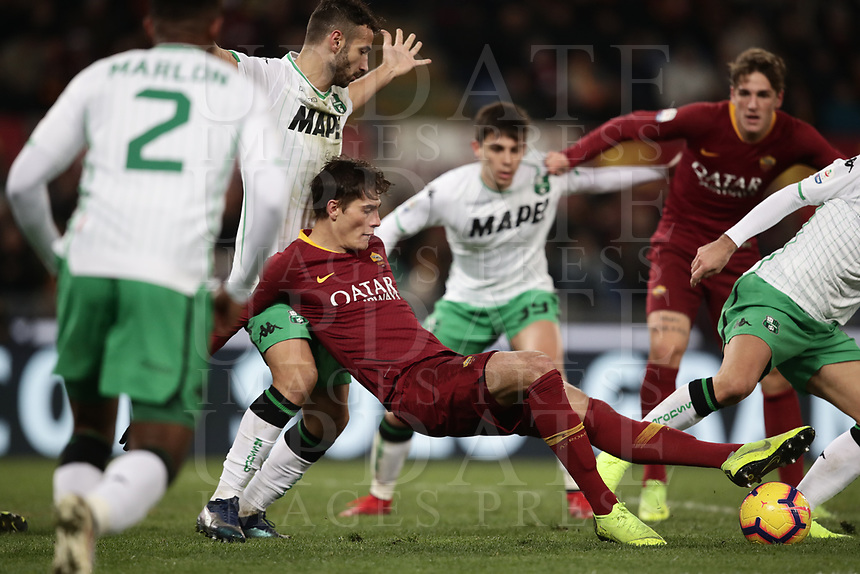 Football, Serie A: AS Roma - US Sassuolo, Olympic stadium, Rome, December 26, 2018. <br /> Roma's Patrik Schick (c) in action with Sassuolo's players during the Italian Serie A football match between Roma and Sassuolo at Rome's Olympic stadium, on December 26, 2018.<br /> UPDATE IMAGES PRESS/Isabella Bonotto