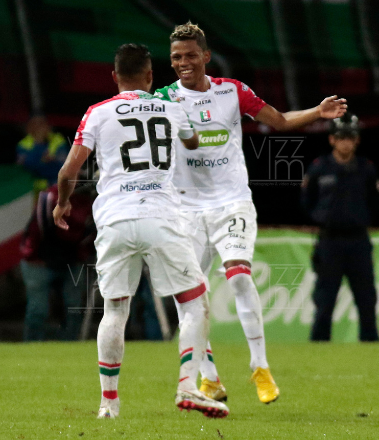 MANIZALES - COLOMBIA, 16-09-2018: David Lemos (Der.), jugador de Once Caldas, celebra el gol anotado al Atlético Junior, durante partido entre Once Caldas y Atlético Junior, de la fecha 10 por la Liga Aguila II 2018  en el estadio Palogrande en la ciudad de Manizales. / David Lemos (R), player of Once Caldas, celebrates a scored goal to Atletico Junior, during a match between Once Caldas and Atletico Junior, of the 10th date for the Liga de Aguila II 2018 at the Palogrande stadium in Manizales city. Photo: VizzorImage  / Santiago Osorio / Cont.