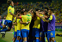 BUCARAMANGA - COLOMBIA, 09-02-2020: Jugadores de Brasil celebran después de anotar el primer gol de su equipo durante partido entre Argentina U-23 y Brasil U-23 por el cuadrangular final como parte del torneo CONMEBOL Preolímpico Colombia 2020 jugado en el estadio Alfonso Lopez en Bucaramanga, Colombia. /  Players of Brazil celebrate after scoring the first goal of their team during the match between Argentina U-23 and Brazil U-23 for for the final quadrangular as part of CONMEBOL Pre-Olympic Tournament Colombia 2020 played at Alfonso Lopez stadium in Bucaramanga, Colombia. Photo: VizzorImage / Julian Medina / Cont