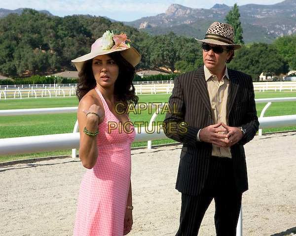 GINA BELLMAN & TIMOTHY HUTTON.in Levrage.(Season 1, Episode 3: The Two-Horse Job).*Filmstill - Editorial Use Only*.CAP/FB.Supplied by Capital Pictures.
