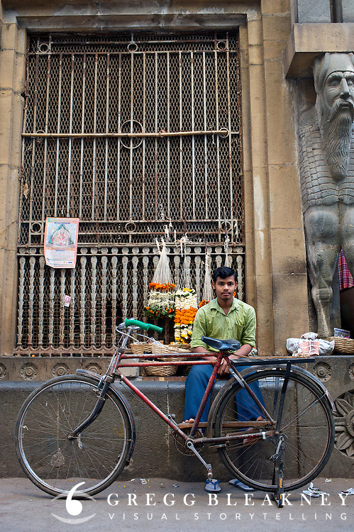 Flower salesman - Bombay/Mumbai - India