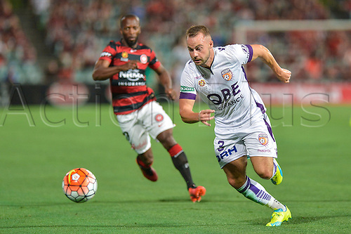 26.02.2016. Pirtek Stadium, Parramatta, Australia. Hyundai A-League. Western Sydney Wanderers versus Perth Glory. Perth defender Marc Warren chases the ball.