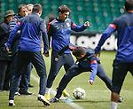 Lionel Messi dives in