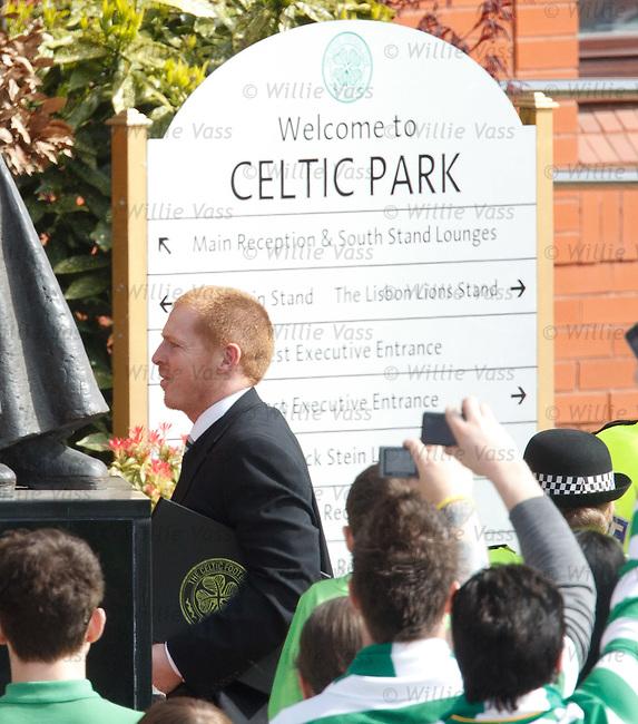 Neil Lennon arrives at Celtic Park and walks off the team bus