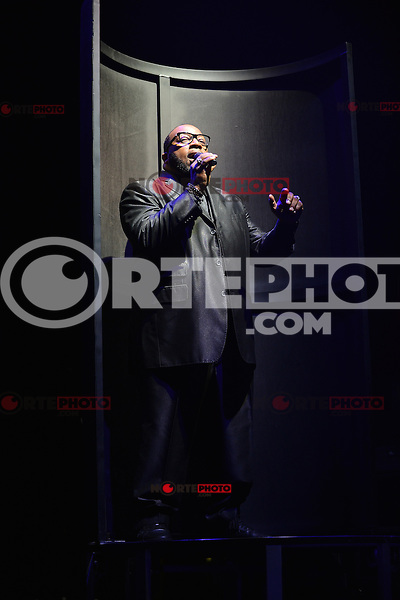 MIAMI, FL - SEPTEMBER 30: Marvin Sapp performs during 'The King's Men' concert at American Airlines Arena on September 30, 2012 in Miami, Florida. © MPI10/MediaPunch Inc /NortePhoto